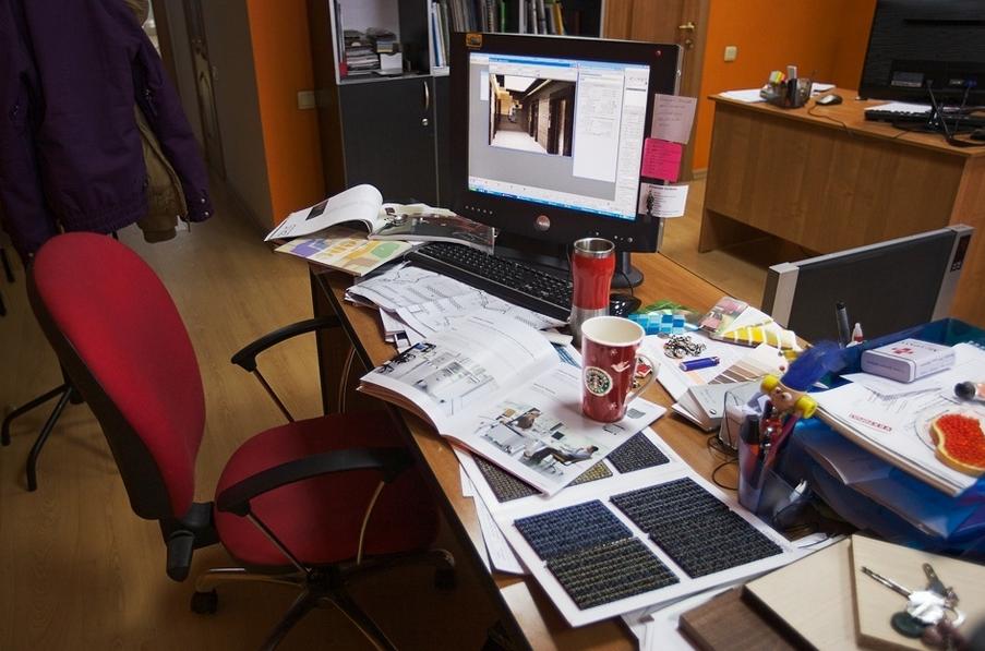 Рабочий стол в офисе